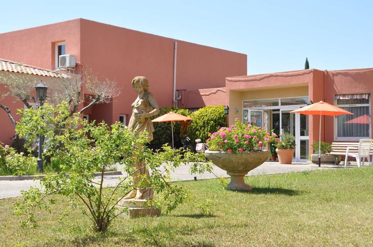 Maison salon de provence avie home for Maison salon de provence